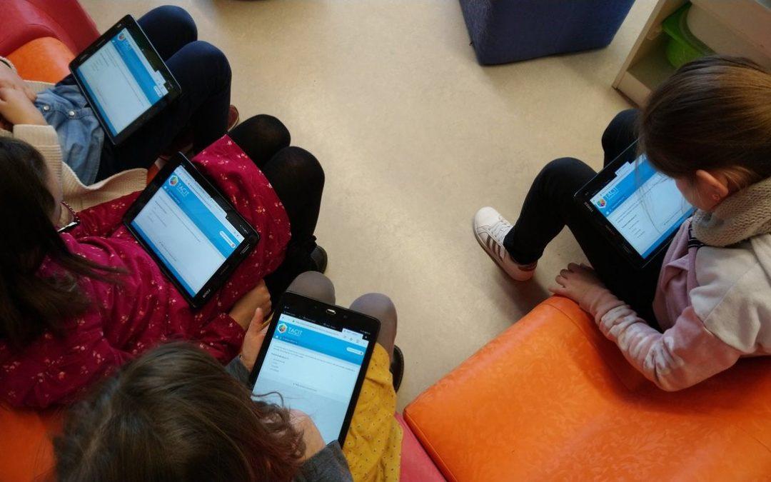 Tirer profit des outils en ligne pour améliorer le système éducatif